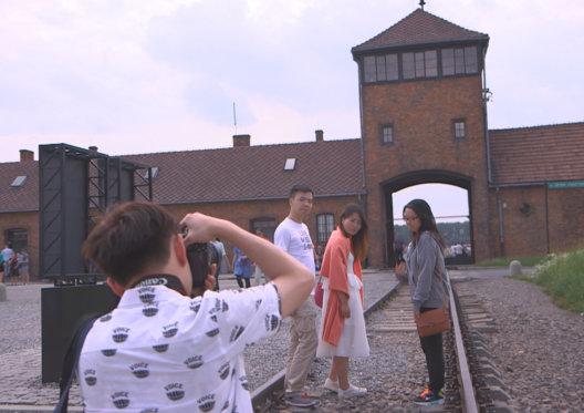 A (re)voir : Sauver Auschwitz ? sur la chaîne Histoire